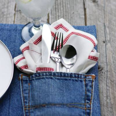 How to Make Denim Pocket Placemats {tablescape}