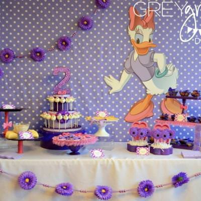 Admirable Daisy Duck Party Birthday Party Ideas For Girls Tip Junkie Personalised Birthday Cards Paralily Jamesorg