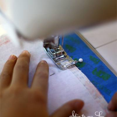 How to Sew a Bookmark {Easy Sewing Projects}