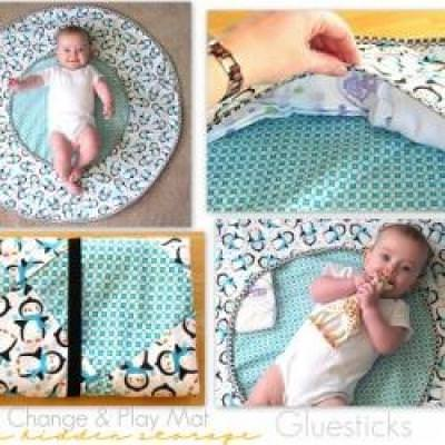 Travel Play Mat with Hidden Storage {Baby Projects}